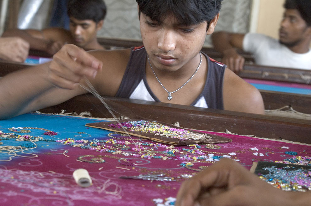 sweatshops and child labor My life as a sweatshop worker: undercover reporter tells of crushing hours and terrible pay in bangladeshi clothes factory where she worked for child labor.